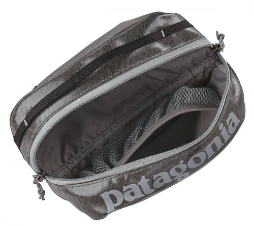 Patagonia Black Hole Cube - Small Black W/Fitz Trout