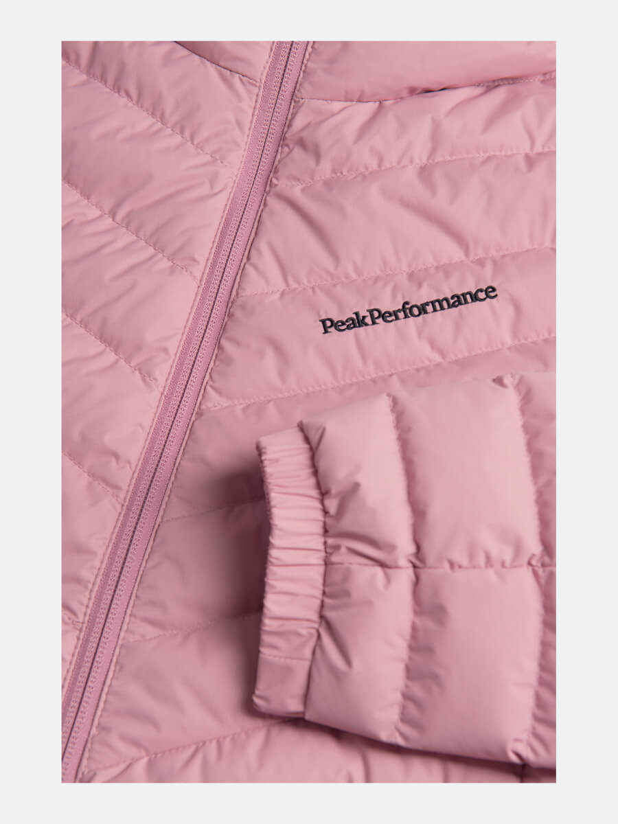 Peak Performance W Frost Down Hood Frosty Rose | Fjellsport.no